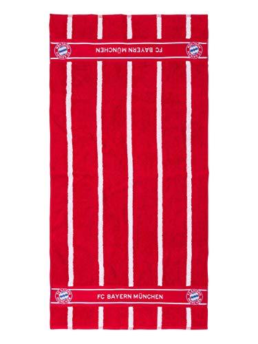 Die rote Kosmetiktasche MIA SAN MIA ist der ideale Begleiter für Ihre nächste Reise. Die Make-up-Tasche im Club-Stil verfügt über ein großes Hauptfach und drei offene Taschen und bietet ausreichend Platz für alle erforderlichen Hygieneprodukte. Das Logo hat reflektierende Streifen und das Motto MIA SAN MIA. Mit Hilfe des integrierten Hakens kann eine Hygienetasche von 25 x 11 x 15 cm flexibel aufgehängt werden. So kann die nächste Reise kommen! Die typische Design-Kosmetiktasche des Clubs mit Sternkrone MIA SAN MIA großes Hauptfach drei offene Taschen mit reflektierenden Streifen auf der Vorderseite 25 x 11 x 15 cm Farbe: rot Material: 100% Nylon