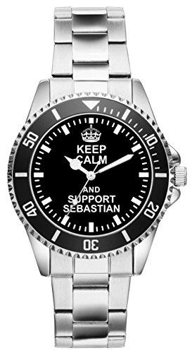 Perfekt für moderne Männer! Dank diesem besonderen Modell schauen Sie doppelt so gerne nach der Zeit! Ein solides Marken Laufwerk sorgt für Ganggenauigkeit. Das Metall Armband ist in seiner Größe 7-fach verstellbar. Der Durchmesser der Uhr beträgt ca. 40 mm und die Wasserdichtigkeit ist 3 ATM.