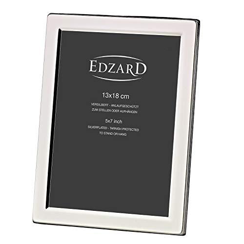 EDZARD Bilderrahmen Salerno für Foto 13 x 18 cm, edel versilbert, anlaufgeschützt, mit grauem Samtrücken, inkl. 2 Aufhängern, Fotorahmen zum Stellen und Hängen