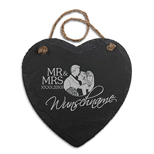 Schieferherz Tafel Geschenk zur Hochzeit mit Gravur personalisiert und Hanfschnur zum Aufhängen Naturkanten 20 x 20,5 cm - Mr & Mrs