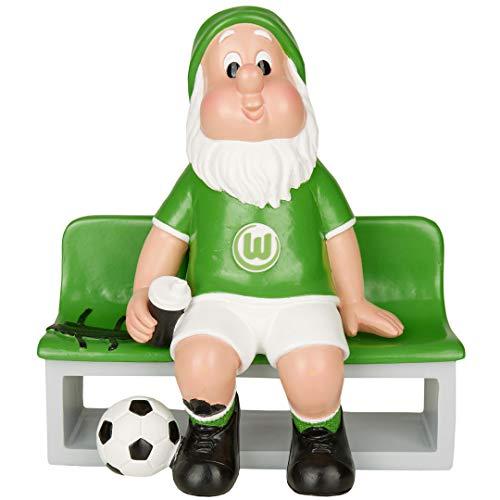 Der VfL Wolfsburg Gartenzwerg wartet mit einer Trinkflasche ausgestattet auf der Ersatzbank auf seinen Einsatz. In den Vereinsfarben gehalten ist er ein Muss für alle Fans, die bereit sind jederzeit Alles für ihren Verein zu geben! Material: Polyresin Größe: 17.8 x 9.2 x 19cm