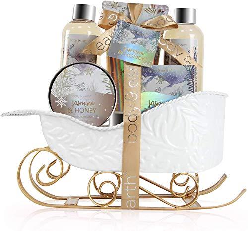 Umfassen Sie das kommende Weihnachten. BODY und EARTH haben sorgfältig eine Reihe von Bade- und Körperpflegeprodukten ausgewählt, damit Sie Ihre Weihnachtszeremonie auf süße Weise überraschen und erfreuen können. Die Innenbadewanne und das Body-Set sind aufwendig verarbeitet und werden mit Luxusboxen geliefert - einem exquisiten Weihnachtsgeschenkset für Sie, Ihre Eltern oder Ihre Lieben - mit denen Sie die glatte Haut des Landes den ganzen Winter über riechen können. Diese Liste ist einzigartig Für Weihnachtsgeschenke finden Sie eine Auswahl, die einen unvergesslichen Eindruck hinterlässt.