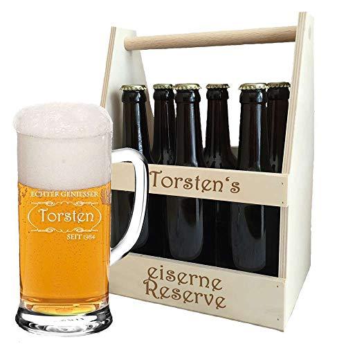Bierkrug + Holz-Bierträger im Set + inklusive kostenloser Gravur | personalisierte Geschenkidee für Biertrinker | Flaschenträger graviert | Bierglas (B5)