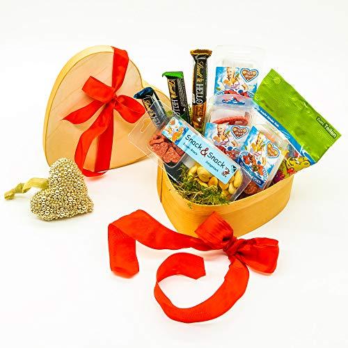 WURSTBARON® Herz Geschenkkiste - Tolles Wurst & Salami Geschenk - Geschenkidee zu Ostern, Weihnachten, Muttertag uvm.