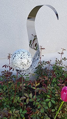 Skulptur Flame weiß aus Edelstahl 146 cm Kugel Granit weiß Gartendekoration Beetstecker Rosenkugel