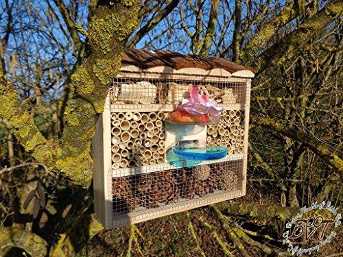 BTV Insektenhotel, Insektenhaus als funktionale Gartendeko mit Futterstation und Holzrinde-Naturdach robust, FDV-Station-OS Holz Nistkasten Natur Insekten Schmetterlinge Gartendeko