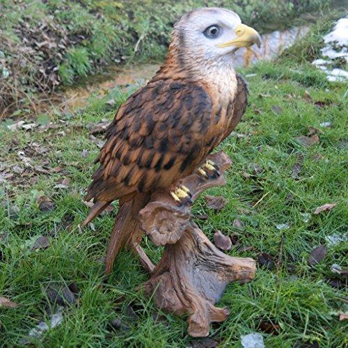 Dekofigur Adler auf Stamm Vogel Tierfigur Raubtier König Gartenfigur Greifvogel